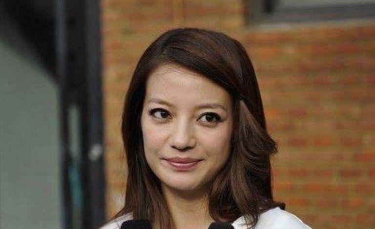 同演还珠格格走红,林心如老了,苏有朋老了,44岁的她貌美如花