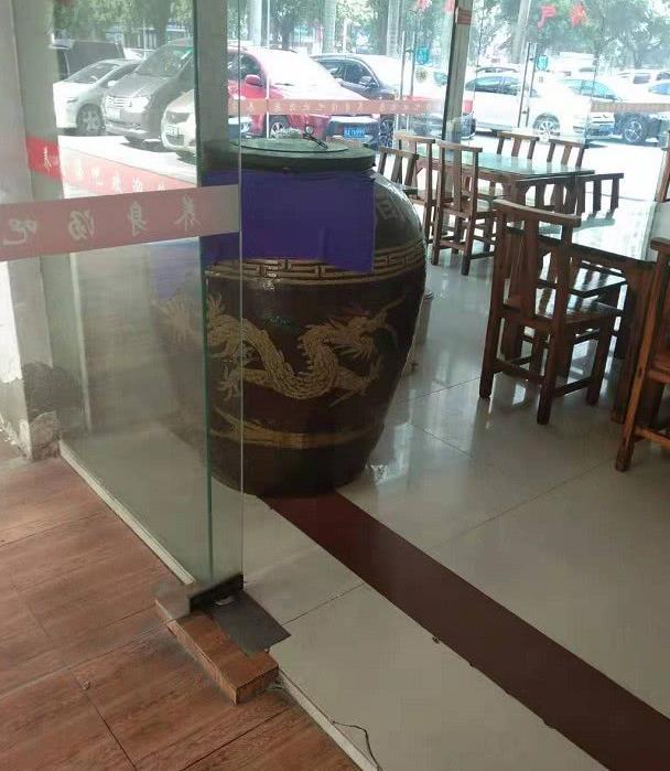 一口缸、瓦罐汤,这就是这家店在驰骋南宁餐饮江湖中的商业秘密