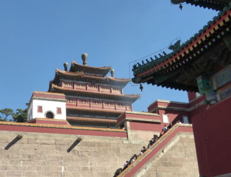 普宁寺,乾隆时代修建的第一座寺庙,是一所汉藏结合的寺庙