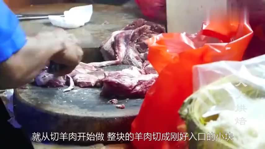 你见过印度的炒饭吗里面全是大块羊肉1份才65卢比看饿了