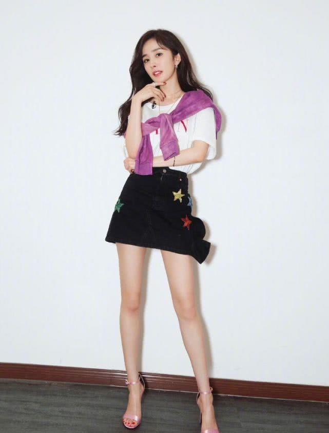 明星杨咪照片,在国内一线女明星中,权力排名有多少?