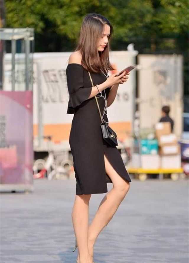 街拍:初入职场的女性应如何穿搭?