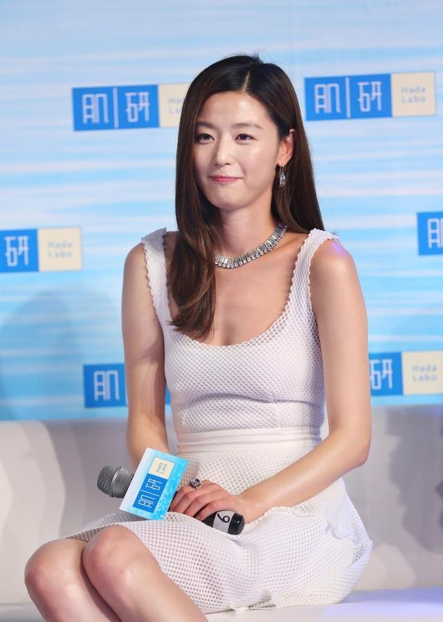 崔俊赫妻子——全智贤个人相册,的确很美