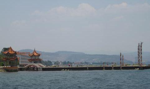 中国最清澈的湖泊,蓄水量很大,你知道是哪个吗?