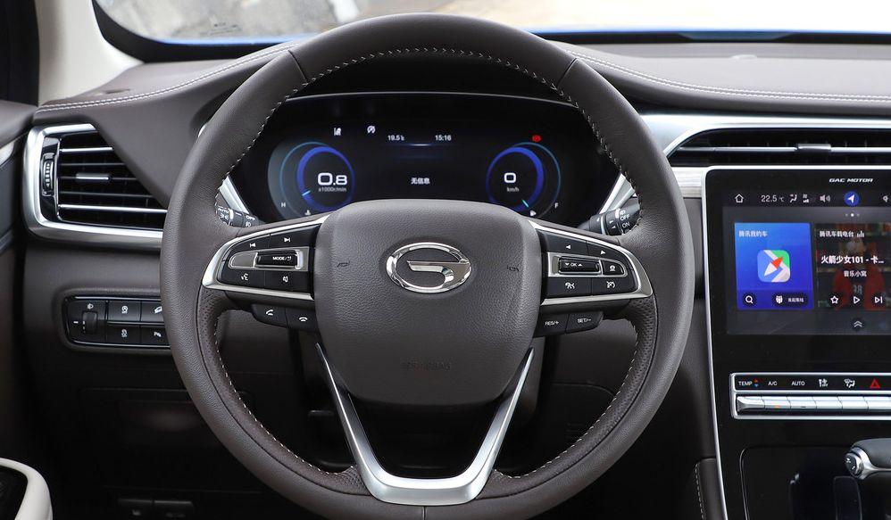 动感时尚的广汽传祺GS5,最新的设计理念,很不错的车型选择