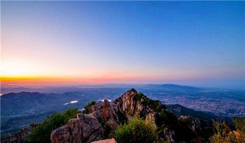 山东最美的地方之一,泰山风景区景色宜人,可以说是山清水秀