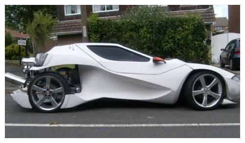 男子买不起超跑,亲自动手创意改车,成品竟惊动法拉利总部来请他