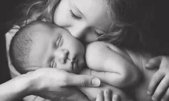 想知道母乳是否够孩子吃,就看这3点,一旦乳房胀痛就要注意了