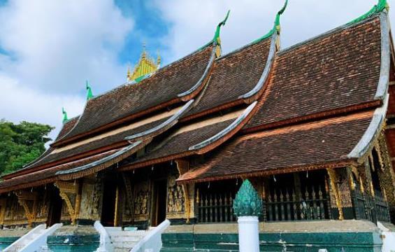 老挝最灵验的寺庙,一打开门就下雨,美国总统也曾来参观