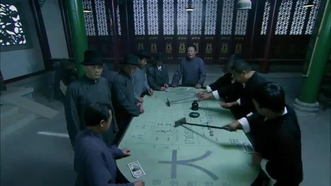 小伙赌场出奇赢钱,惹得庄家不满,结果闹事引来汉奸队长