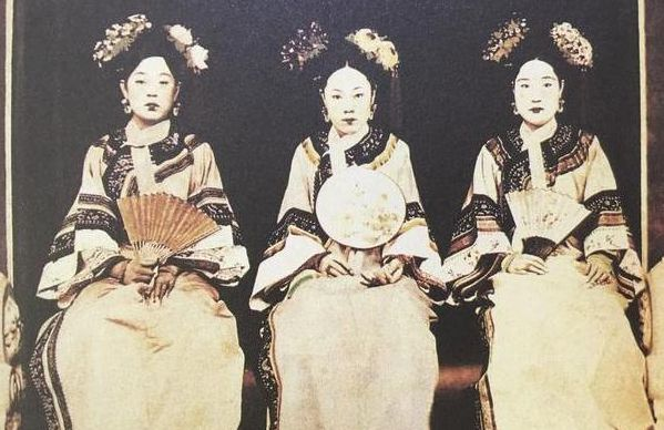 谁说清朝无美女?这4张晚清照片直接打脸,图4富家小姐貌若天仙!