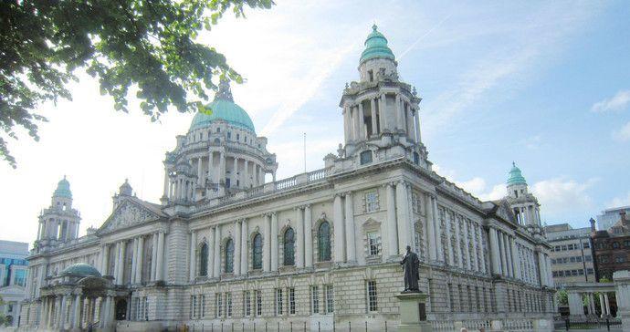 贝尔法斯特市政厅,巴洛克复兴风格,为了纪念维多利亚女王而建造