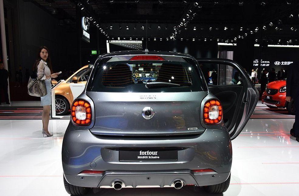 巴博斯 smart forfour满足国人的购车需求,是实用性好车!