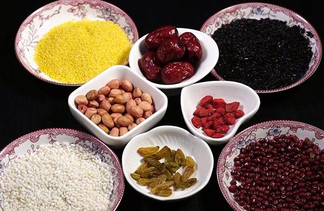 每日例汤,这样做出来的八宝粥不仅营养健康,而且色香味俱全
