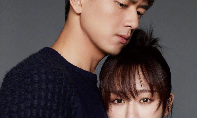 李现和杨紫同框拍封面,看到李现从后边抱住杨紫,甜的就像巧克力