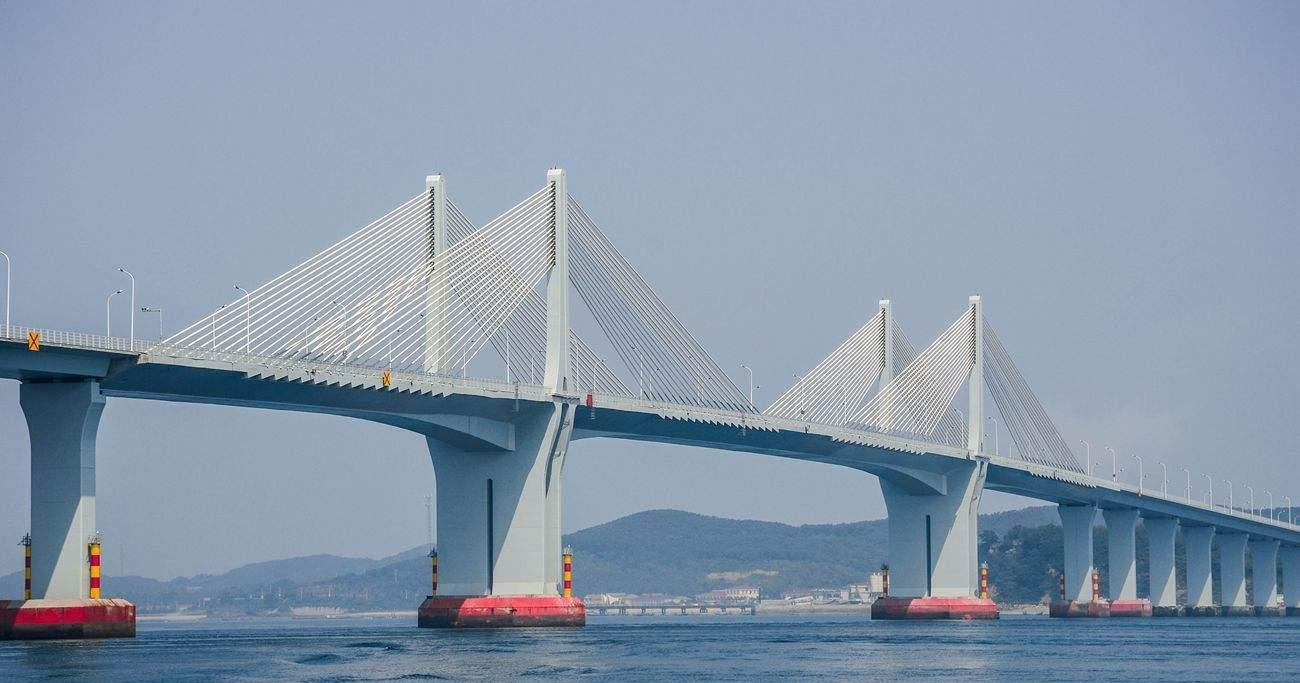 广东正在建设跨海大桥,时速100公里,年底完成倒计时!