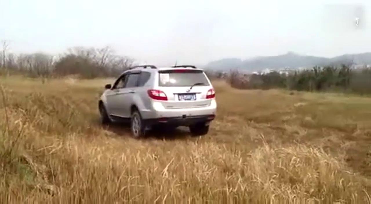 视频:陆风X8野外交差轴测试