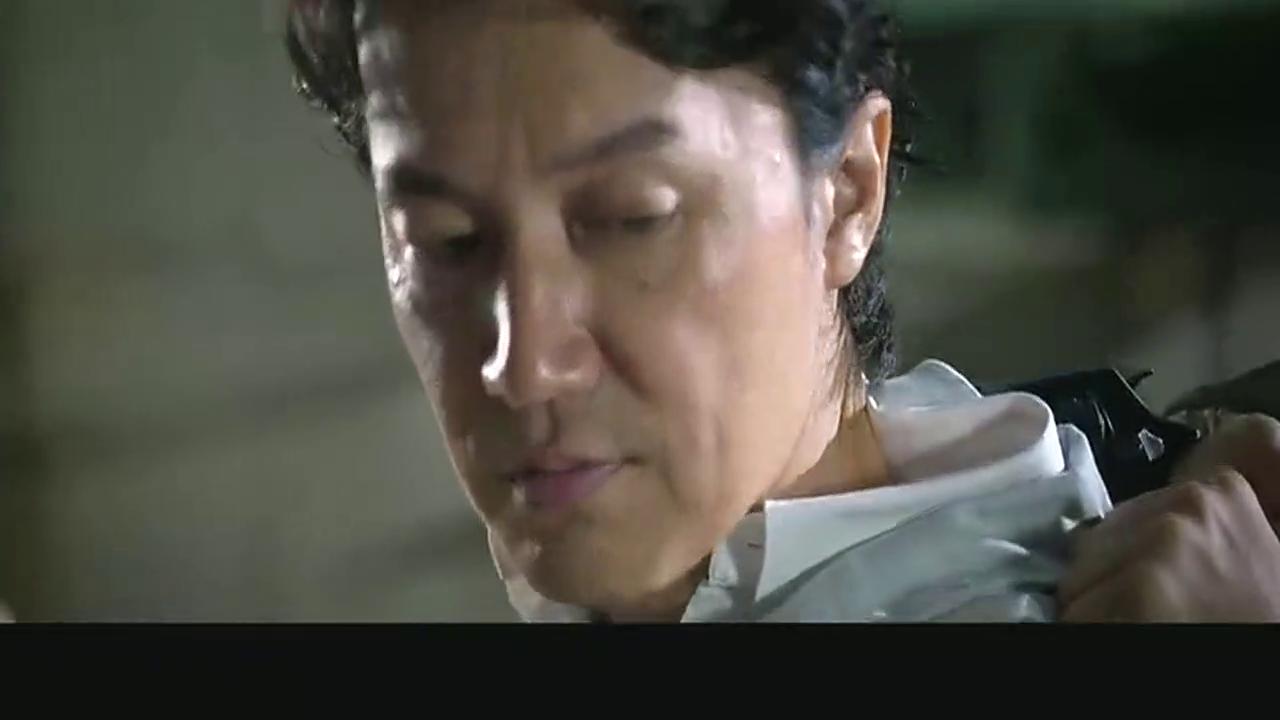 《追捕》影片中张涵予与福山雅治的精彩打斗场面,厉害了!