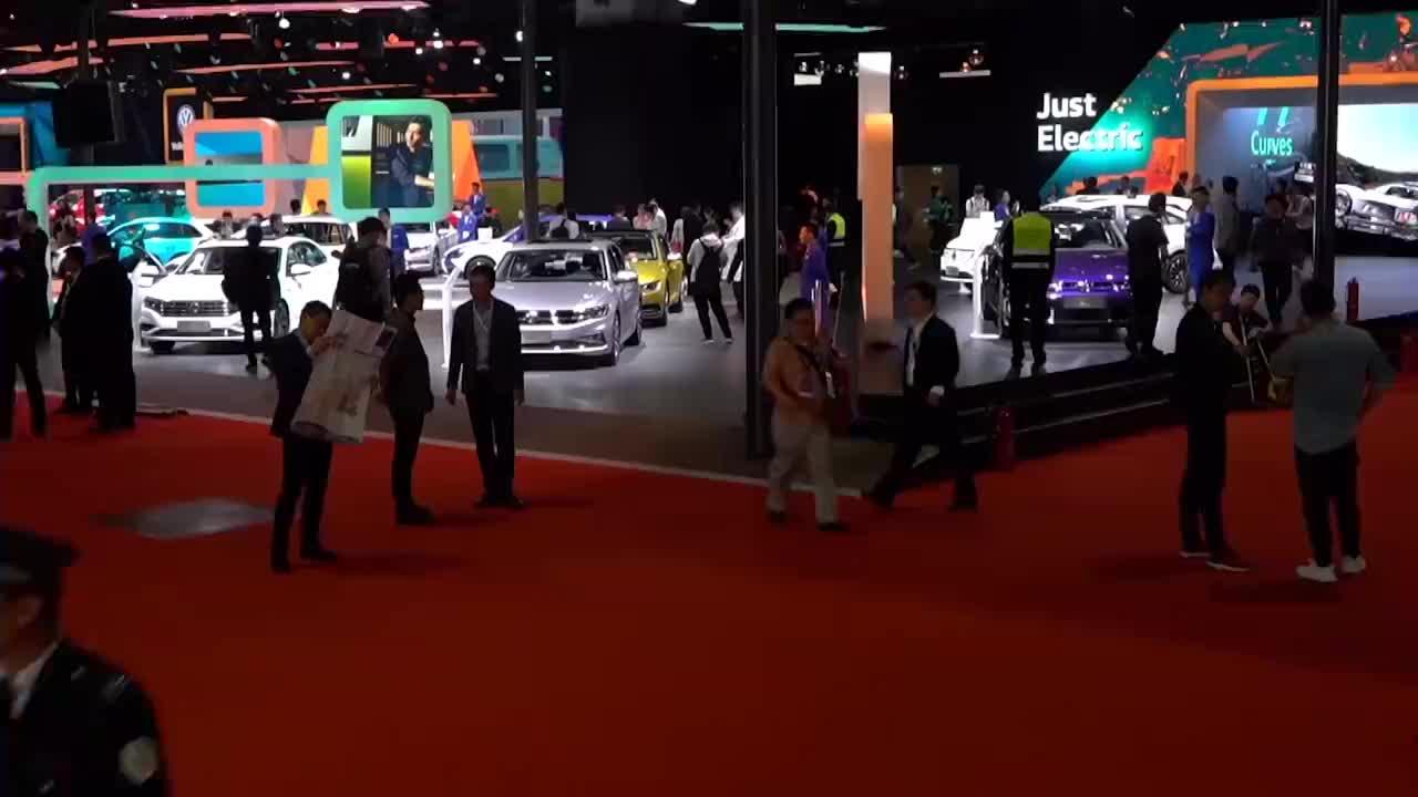 视频:大众再次妥协了探岳咬牙降至15.19万起售又一个SUV标杆