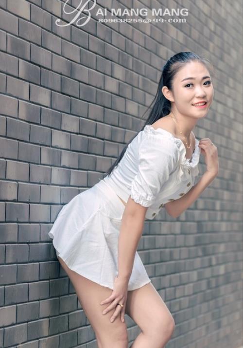 惊艳小萝莉梓萱Crystal越南芽庄旅拍