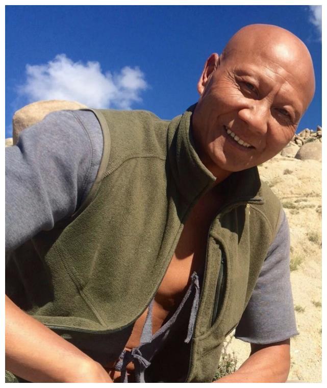 还记得《少林寺》里的秃鹰吗?演了一辈子坏蛋,57岁因病去世