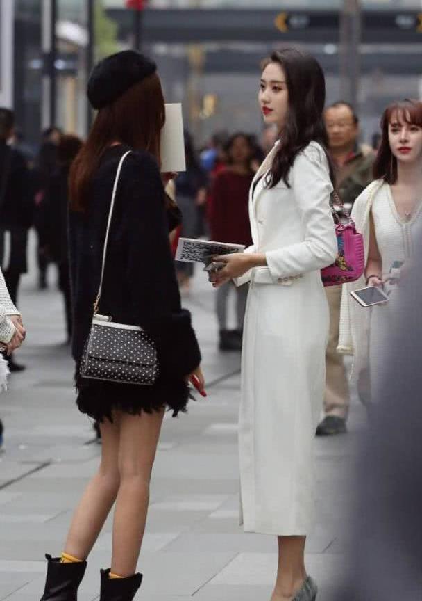 身材好,颜值高,气质佳,连衣裙带给你想要的美丽