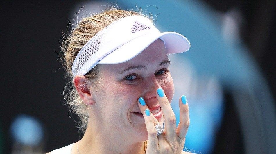丹麦甜心泪洒赛场 沃兹尼亚奇澳网出局后宣布退役 家人集体送祝福