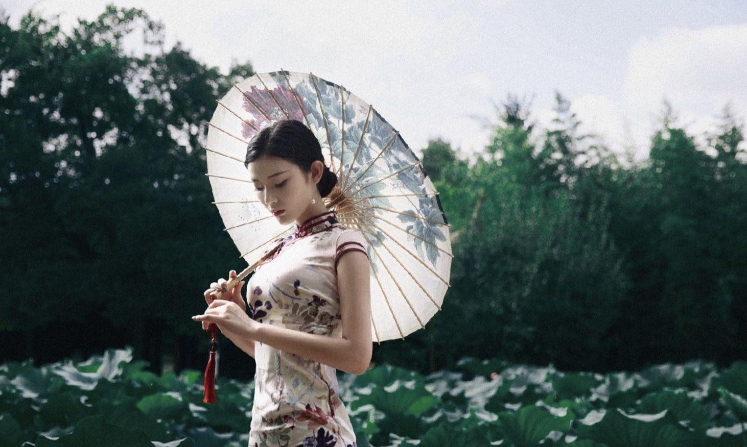 美女模特王星辰旗袍写真太美,身材太完美
