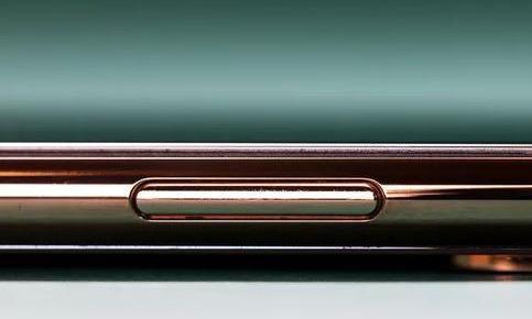 有料|Touch ID没了,但电源键的功能却逐渐丰富了