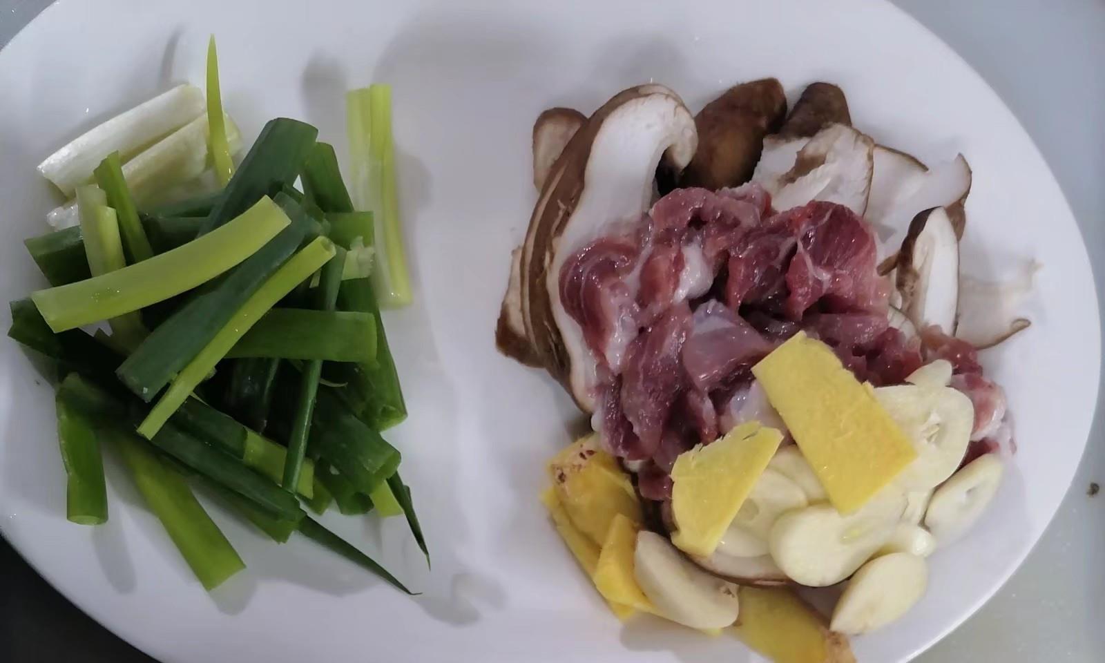 大厨的秘制铁板豆腐,外表金黄诱人里边鲜嫩可口,收藏了
