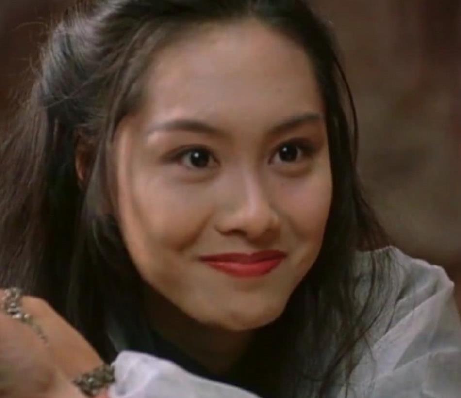 年轻时的朱茵,美得像贵族的公主,网友:可惜没遗传一丁点给女儿