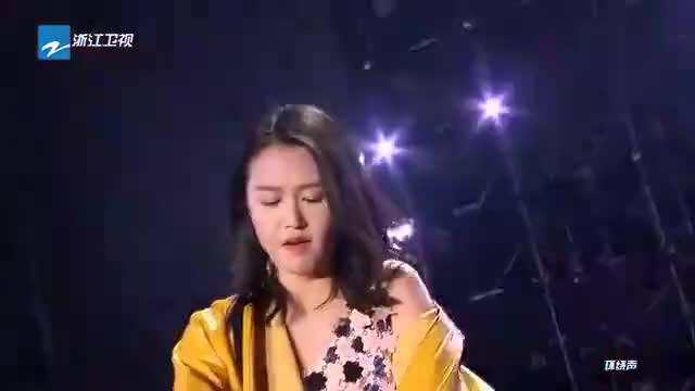 浙江跨年谭维维演唱《你要的爱》秀高音观众为之疯狂