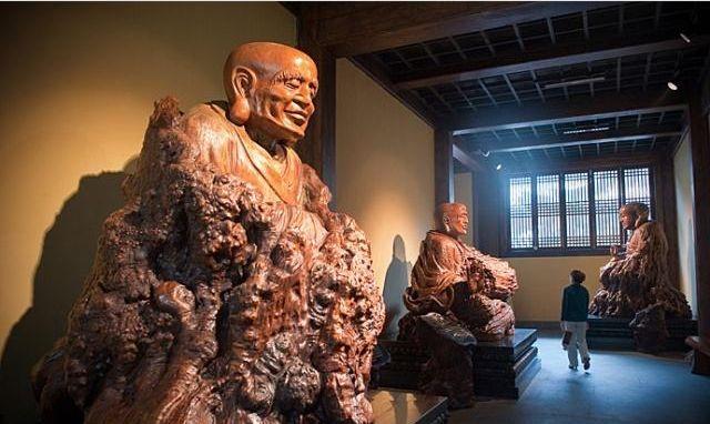 """中国第一""""奇""""园,世界根雕艺术之都,其中最大单件作品重达40吨"""