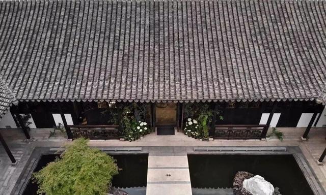 一座拥有百年历史的江南院落与当代艺术的碰撞,民宿便有了新可能
