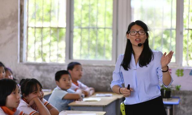 老师给自己孩子补课也不行?奇葩家长的个性言论,老师受不了