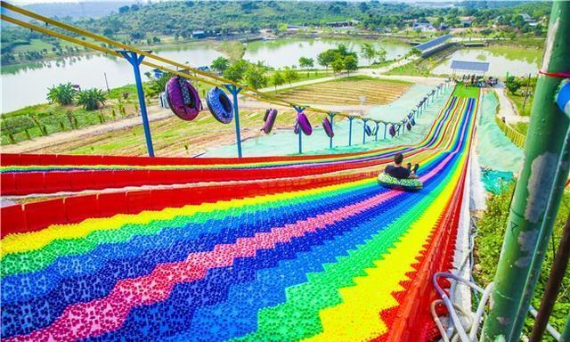 国庆假期广东哪个网红项目最受热捧,游客硬核回应是彩虹滑道