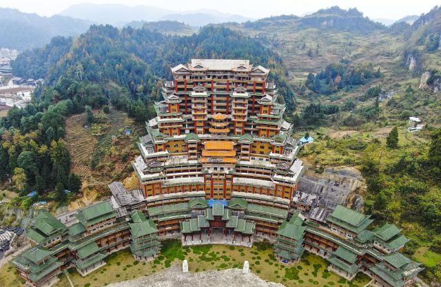 贵州黔西南:水司楼申报三项吉尼斯世界纪录 游客慕名前来参观