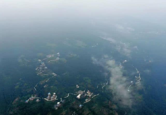 巴中村系列航空摄影-平岗天井村