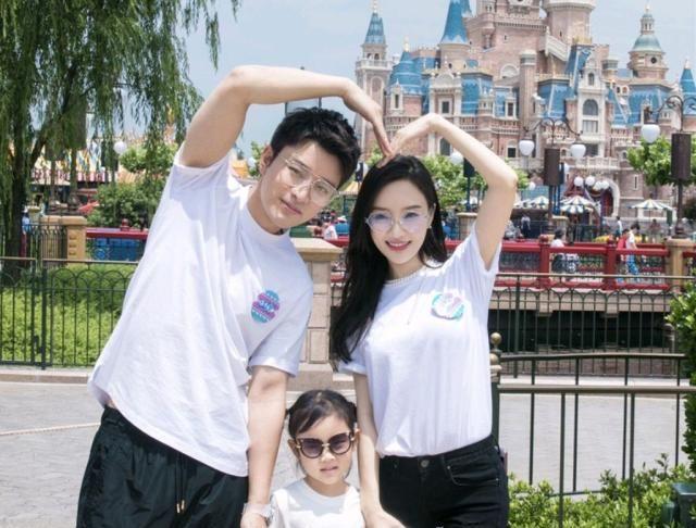 李小璐贾乃亮正式宣布离婚,人生路漫漫,且行何珍惜?