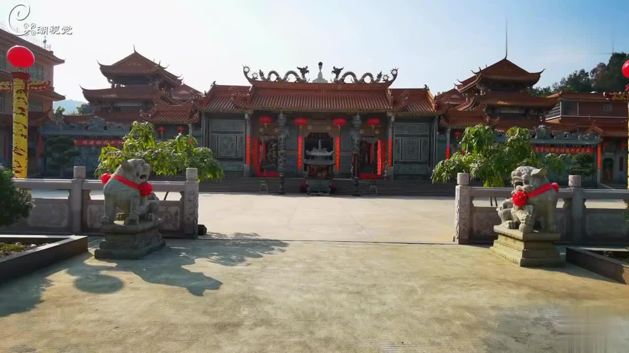 揭阳热心老板斥巨资在与潮阳交界捐建一座金碧辉煌的玉皇宫