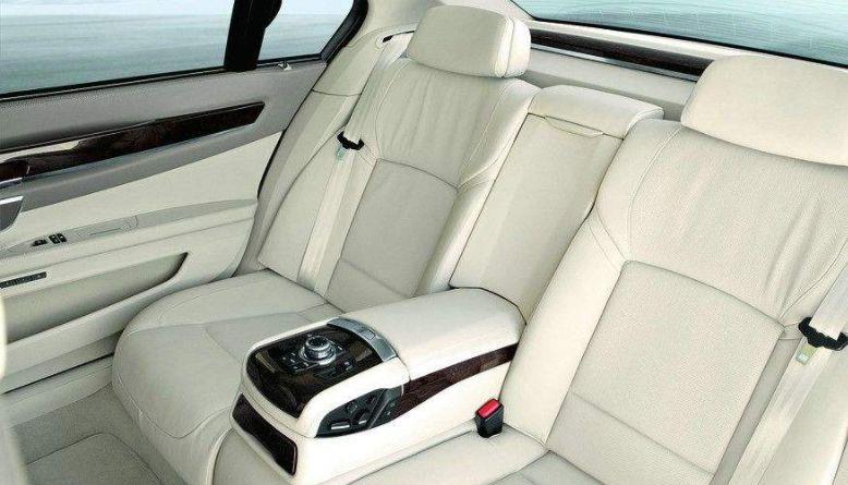 穷人最喜欢买,富人白给也不会要的汽车配置,你家车上有吗?