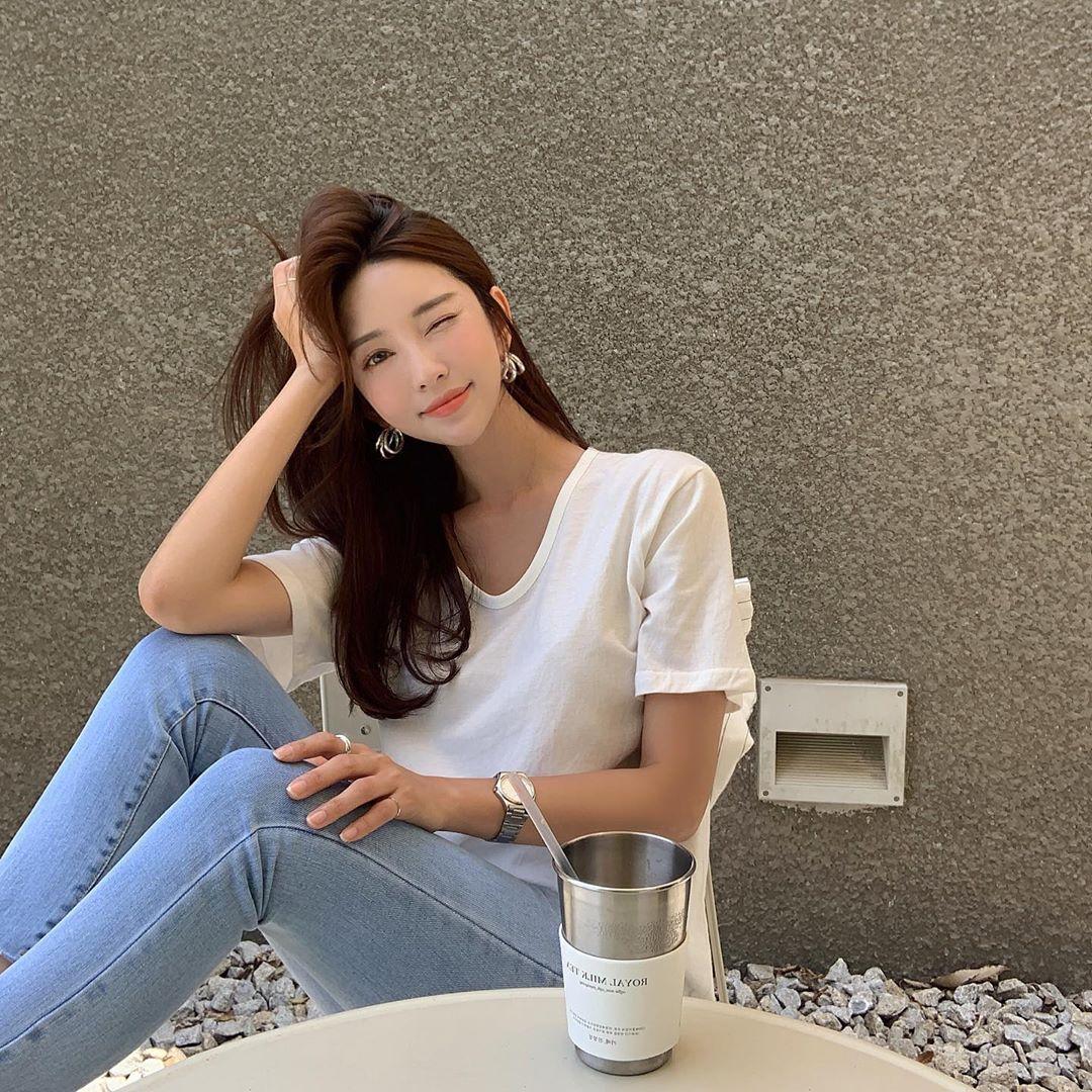 韩国美女模特luvsome_jiwon,气质女神,清秀靓丽,精选合辑34张