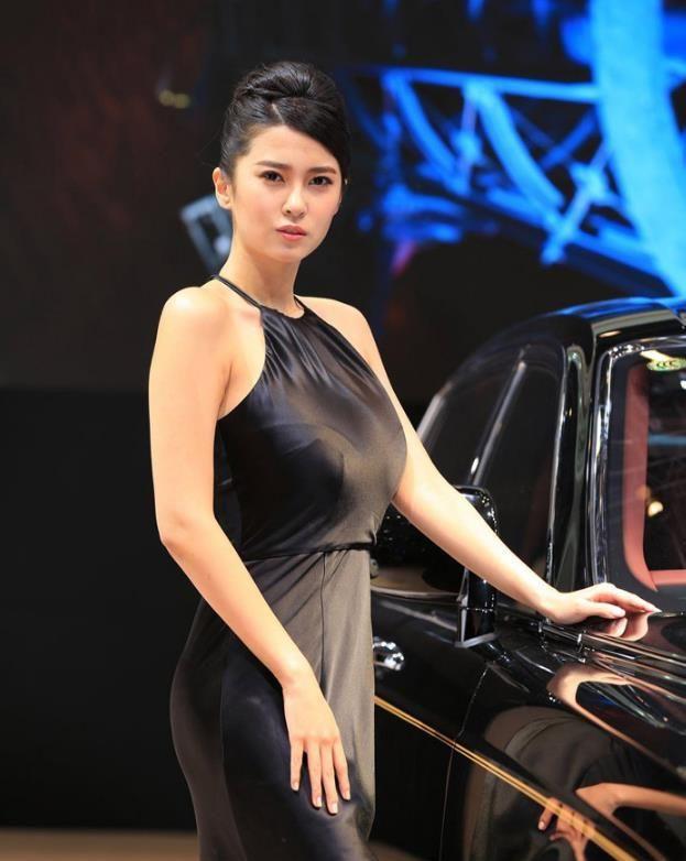 """2019环太湖自行车赛驶进宜兴上演""""速度与激情"""""""