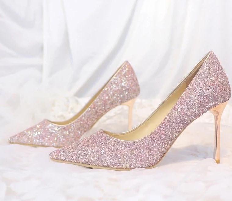 你以后会顺利和真爱相遇吗?选一双水晶鞋,测试一下!
