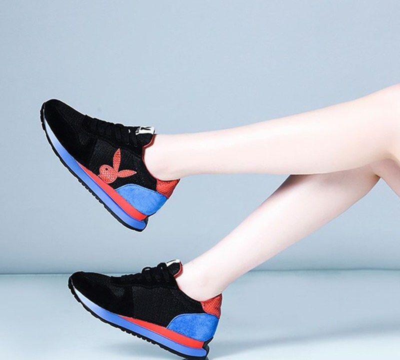五一节别穿高跟鞋去旅游了,推荐这几款今年流行的舒适平底鞋