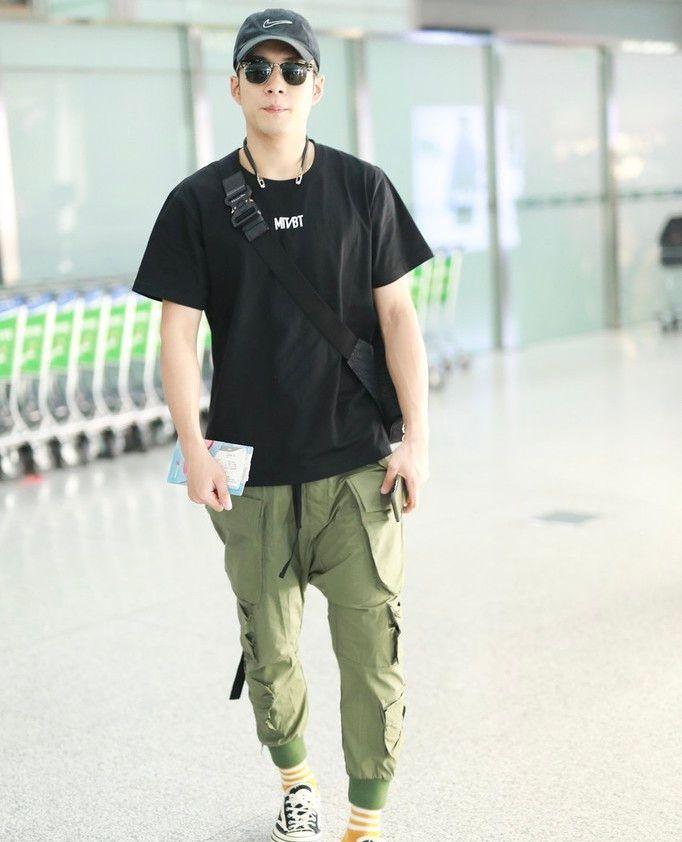韩东君周锐背带裤造型萌翻天 还是被王子异的胸前包比下去了