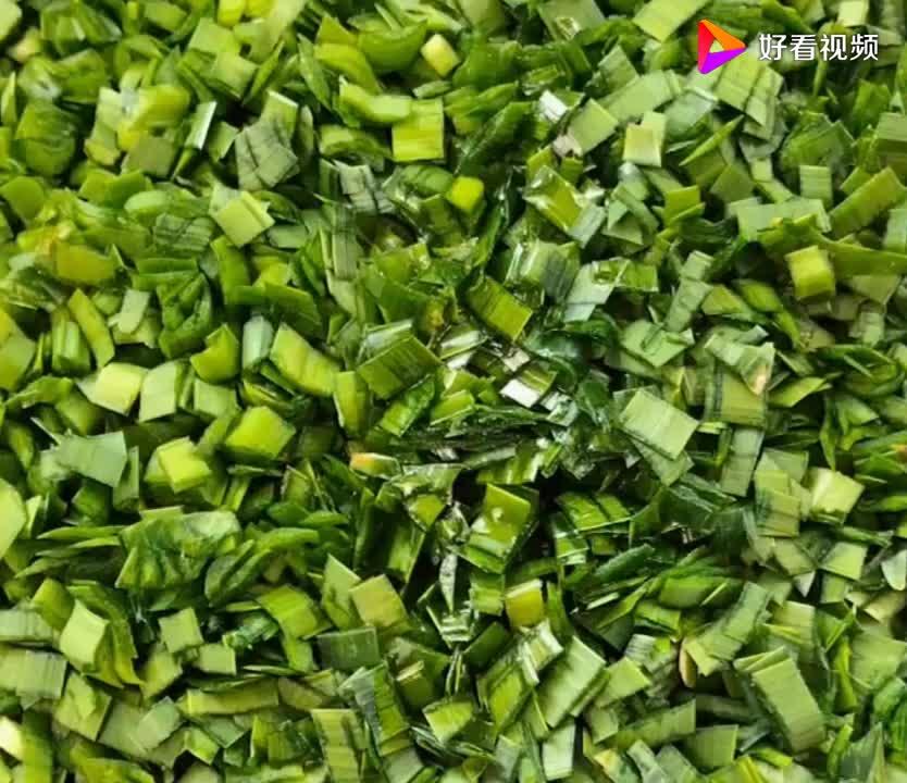 韭菜盒子在家这样做皮薄馅大超级好吃吃一次就上瘾