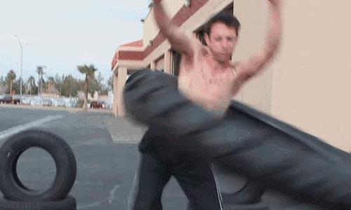 搞笑GIF趣图:舞蹈系的运会的很精彩,小姐姐空翻跑百米!