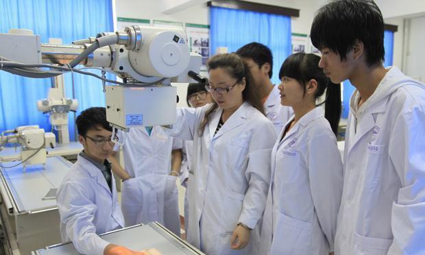 """争议小的5个""""医学专业"""",更适合女生报考,就业压力小还稳定"""