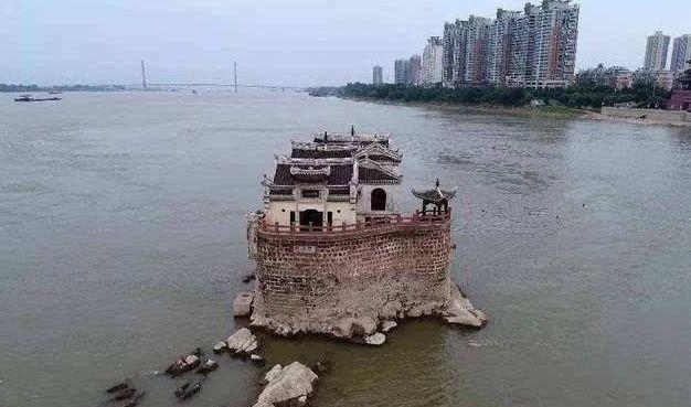 """中国最牛""""钉子户""""历经了几百年岁月,依然屹立不倒"""